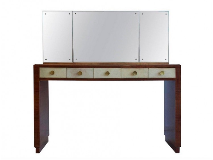 Set of Vanity and Seat