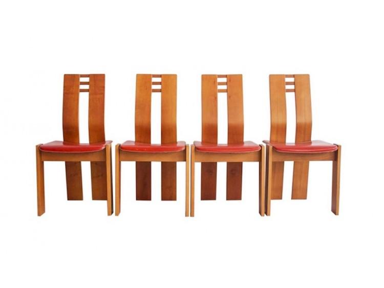 Cuatro sillas de madera de arce