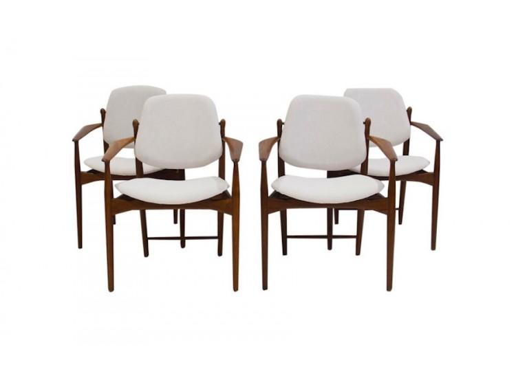 Cuatro sillas por A.Vodder